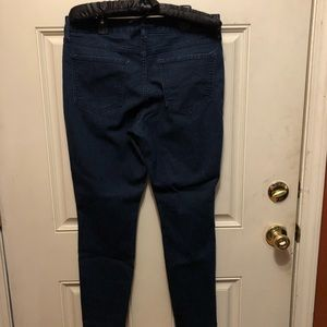 Old Navy Jeans - Old navy dark wash jeans